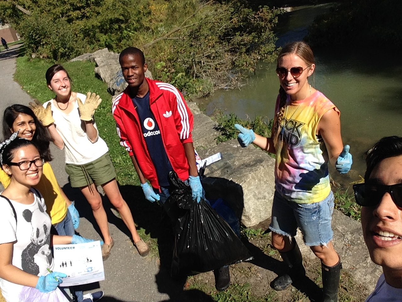 Blue Team Students Shoreline Cleanup 2014 - Oshawa Creek
